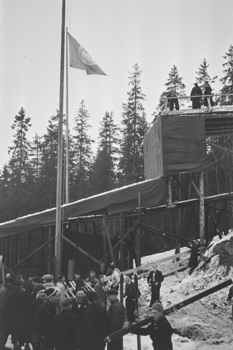 Holmenkollrennet 1939. Ved hoppet i Holmenkolbakken