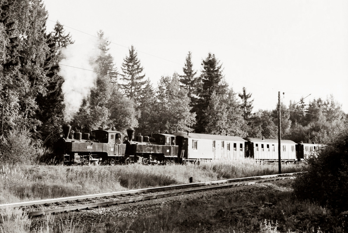 Skifting på Bingsfoss stasjon med lok 6 Høland