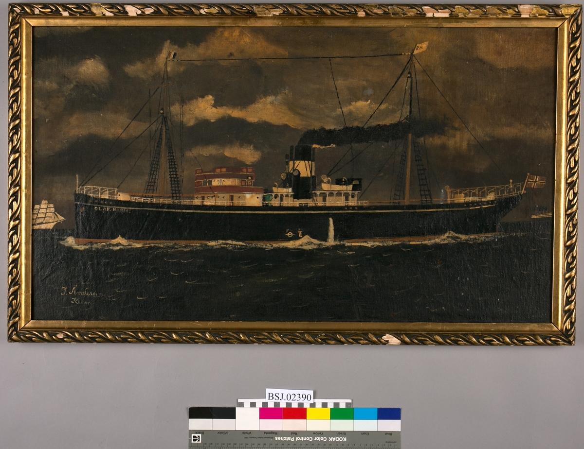 Skipsportrett av dampskipet OLAF KYRRE. Ser bl.a. et hvit seilskip ved baugen til OLAF KYRRE