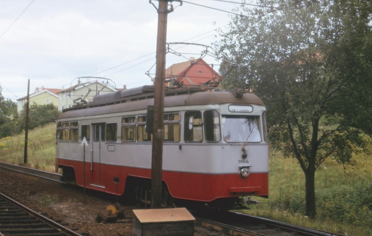 Ekebergbanens sporvogn 1004  ved Ljabru stasjon.