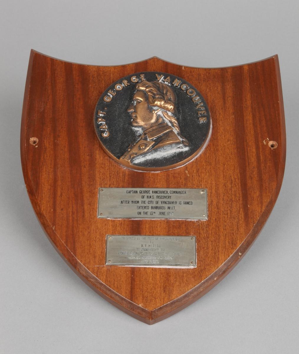 Plakett med relieff av capt. George Vancouver