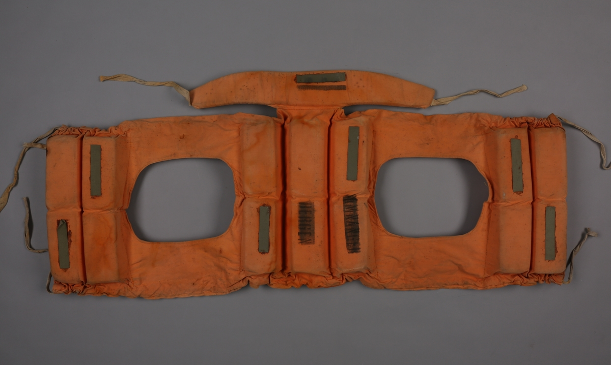 Livbelte i tekstil og kork med refleksbånd.