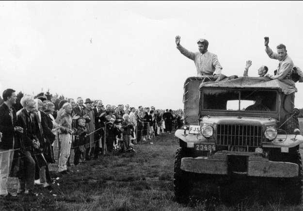 Karlsborg, FJS - dag på Flugebyn år 1958. På lastbilen syns Thore Samuelsson, Stig Johnsson och Hans Söderberg. Freijds foto.