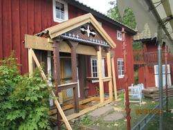 Byggnadsvårdsåtgärder på veranda, på mangårdsbyggnaden på he