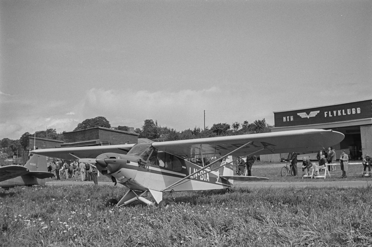 Flystevne på Lade flyplass. Super Cub LN-BIA