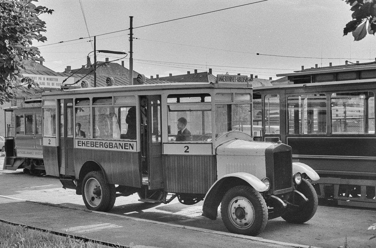 Ekebergbanens buss nr. 2 på Majorstuen.