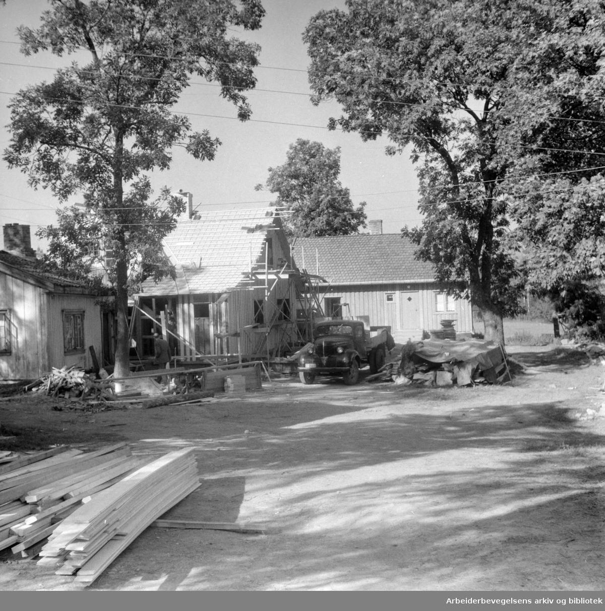 Maridalen: Store Brenningen gård. September 1958