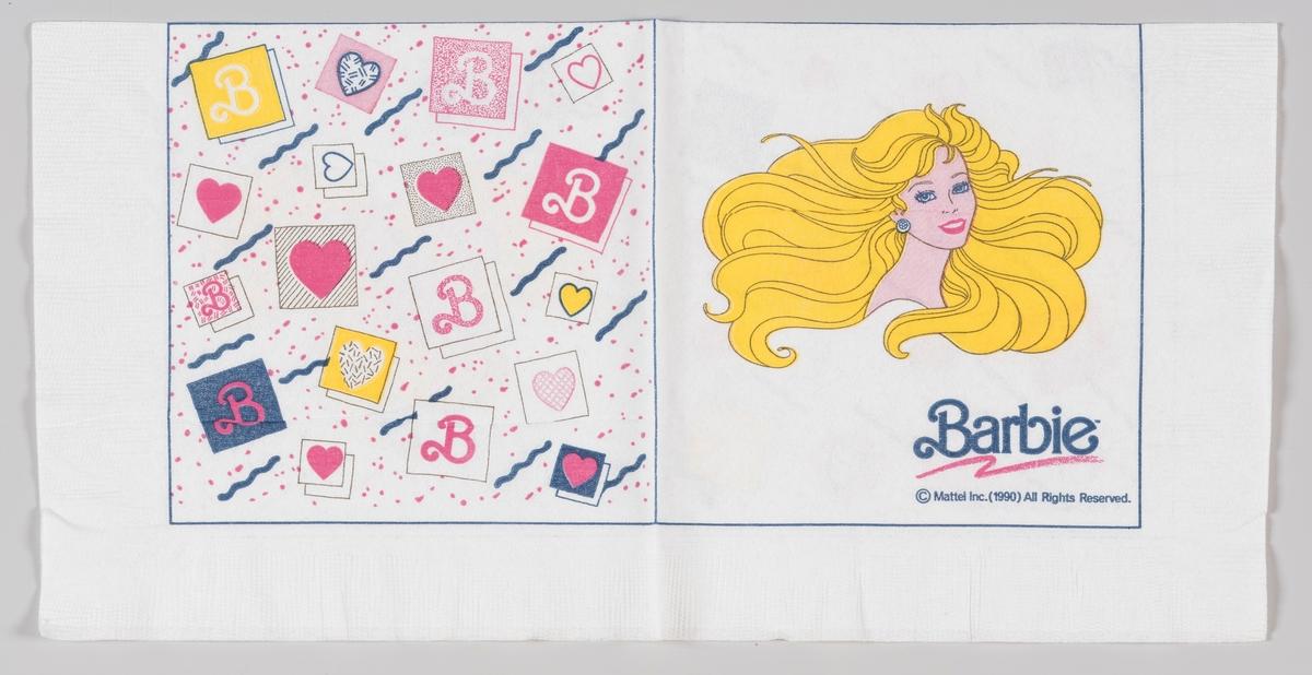 Barbie med masse gult hår og kort med hjerter og bokstaven B.  Barbie er et varemerke for en dukke med voksenfigur fra det amerikanske leketøysfirmaet Mattel. Den første barbiedukken kom i 1959.