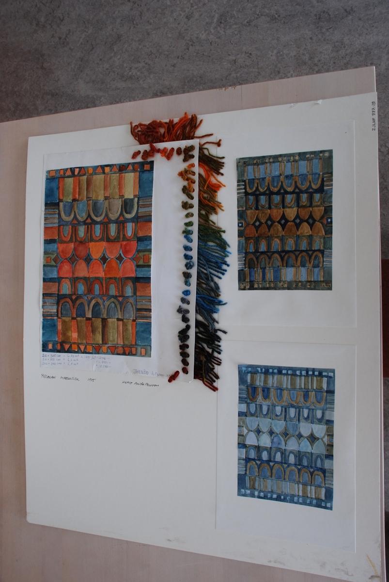 Skisser till rölakansmattor komponerade av Anita Persson. Med garnprover.