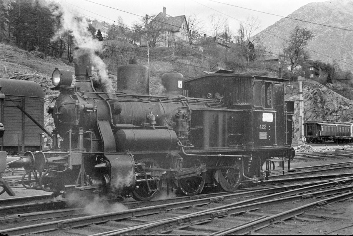 Damplokomotiv type 25d nr. 422 på Bergen stasjon.