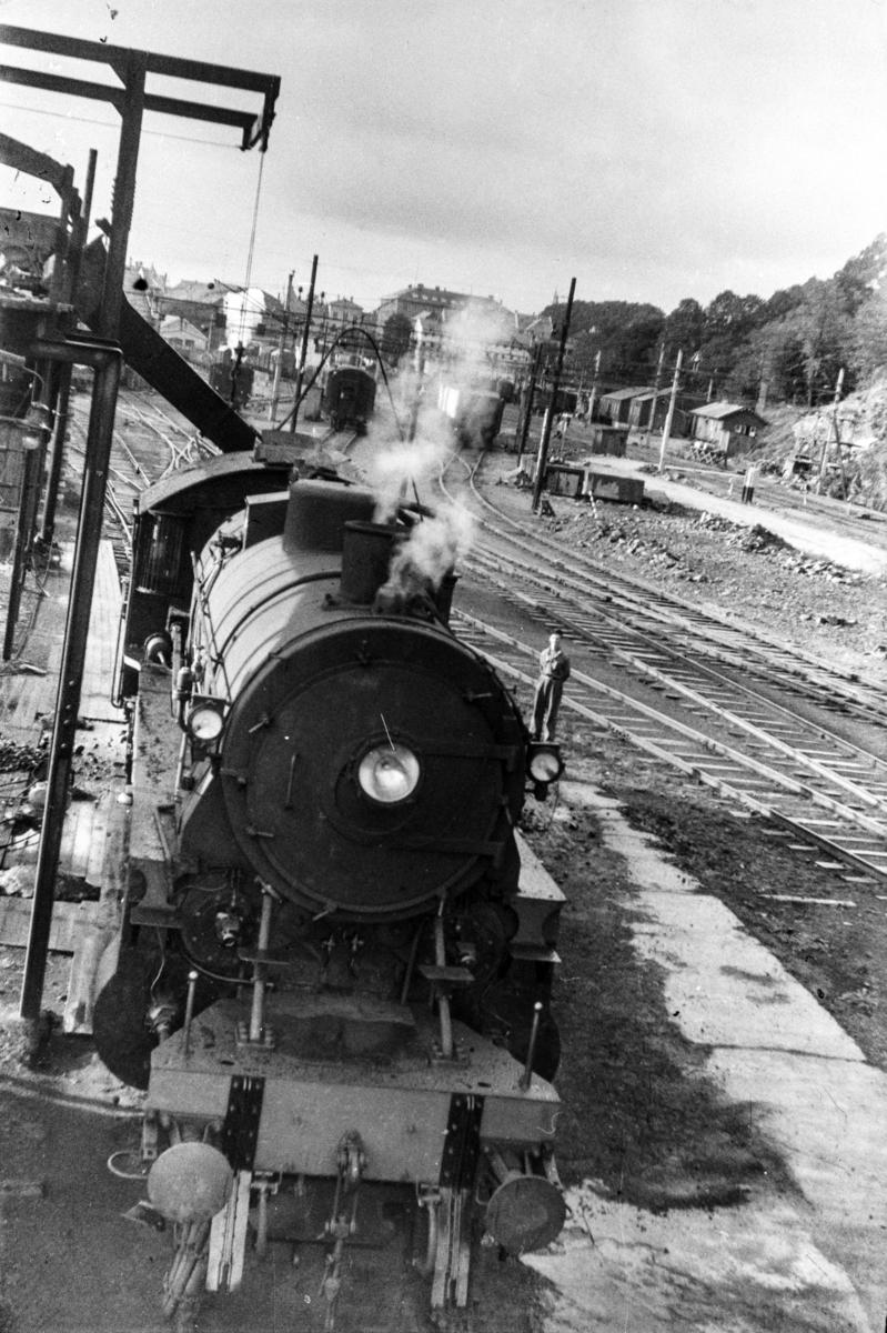 Damplokomotiv type 31b nr. 401 ved kulldepotet på Bergen stasjon.