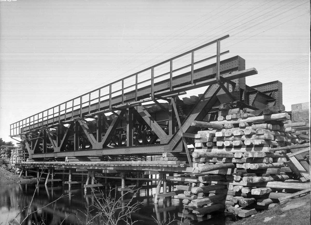 Bro över Almaån. Alvesta - Hässleholm