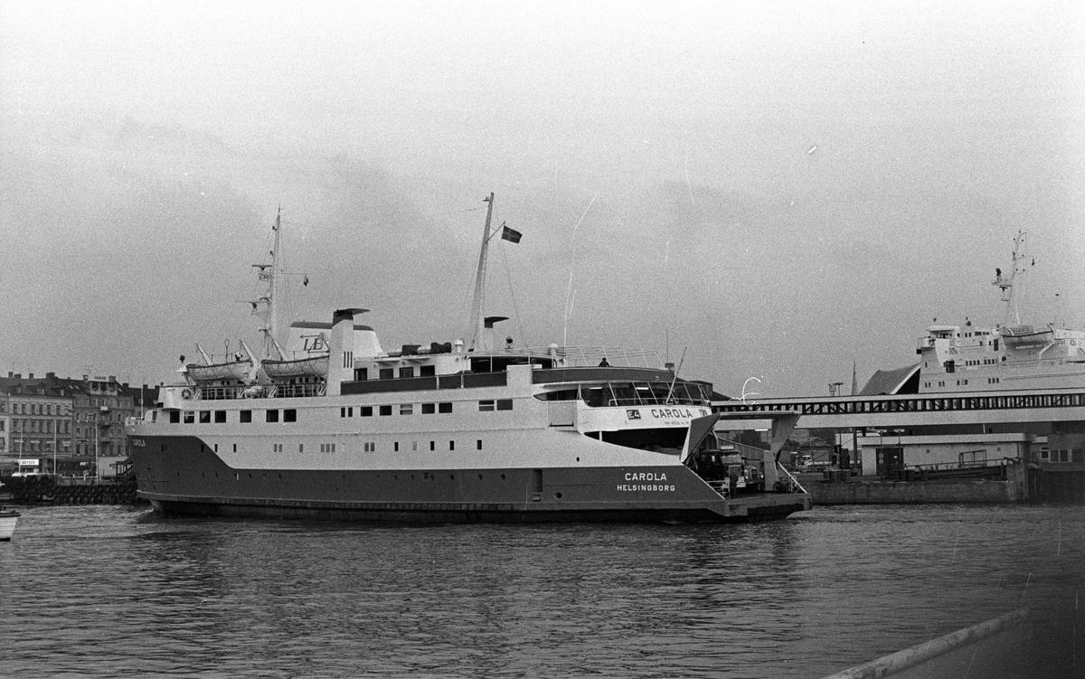 Linjebussfärjan Carola i färjeläget i Helsingborg. M/S Carola byggdes av Öresundsvarvet AB, Landskrona år 1964 och levererades till Linjebuss International, Helsingborg för att trafikera leden Helsingborg - Helsingör