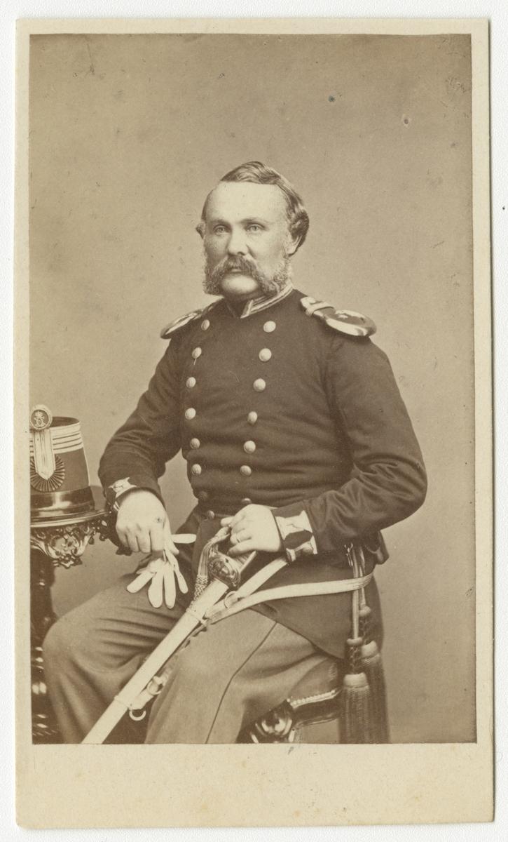 Porträtt av Johan Oscar Waldau, kapten vid Västmanlands regemente I 18.