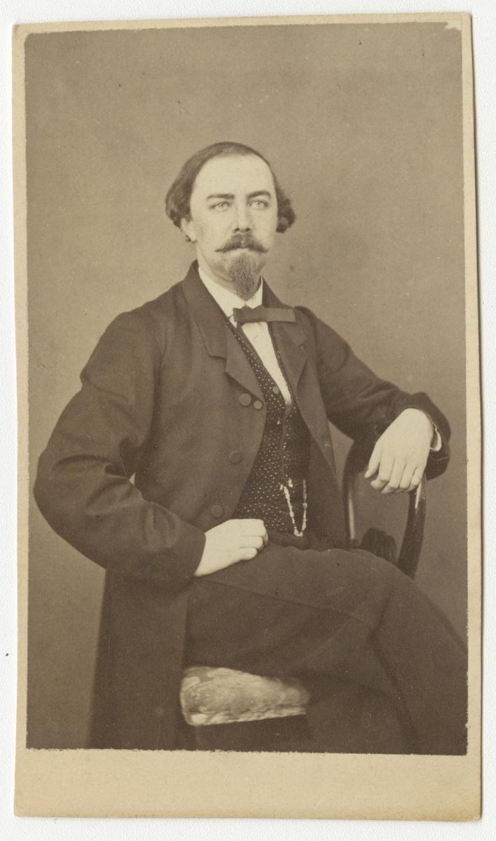 Porträtt av Birger Wilhelm Schenström, auditör vid Västmanlands regemente I 18.