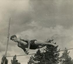 Petter Hugsted trener hopp ved Ruudhytta