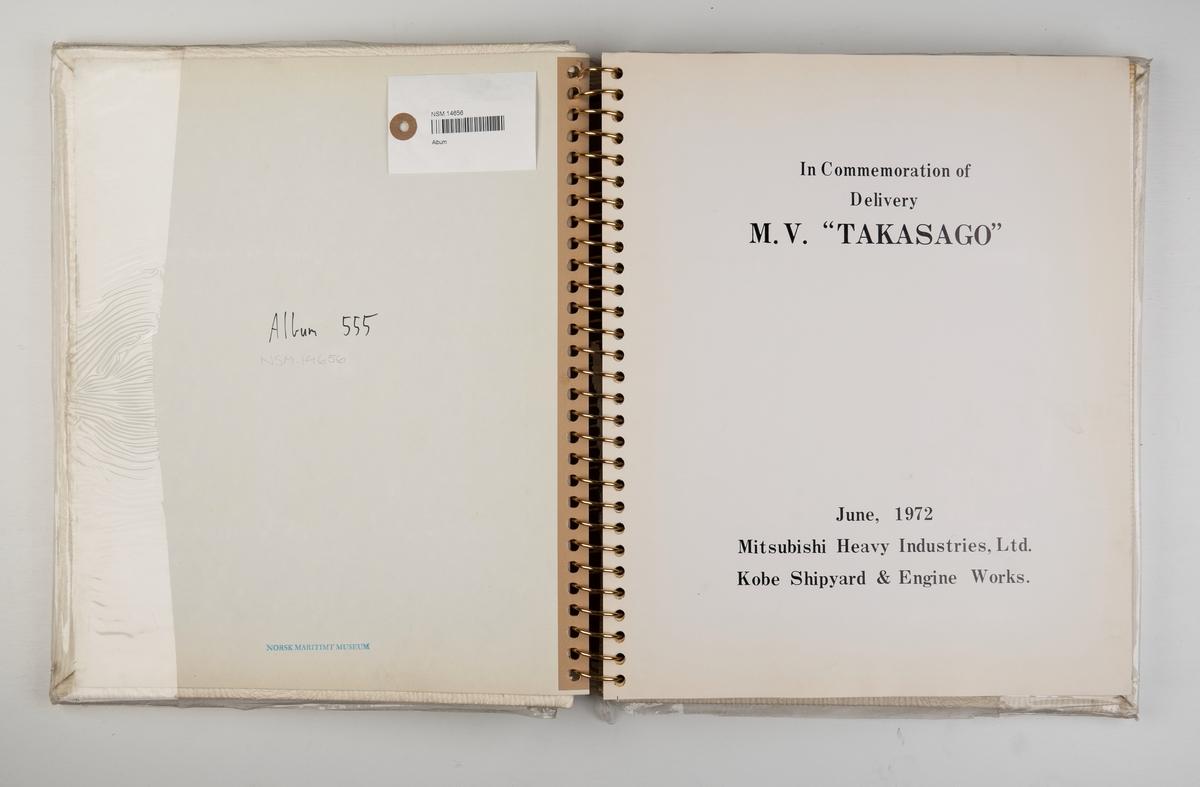Album med fotografier fra byggingen og leveringen av motorskipet 'Takasago' juni 1972.