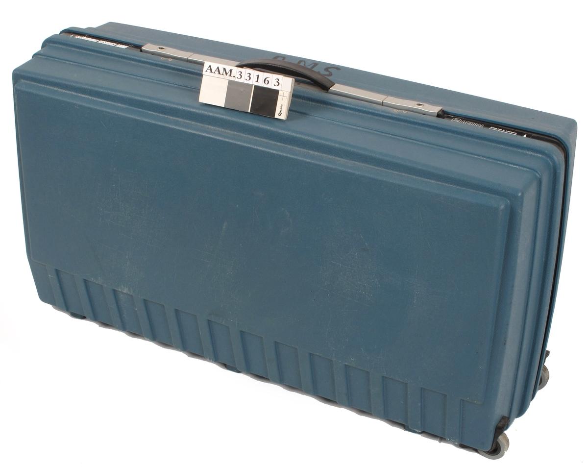 Dukke i kuffert. Til førstehjelpsinstruksjon