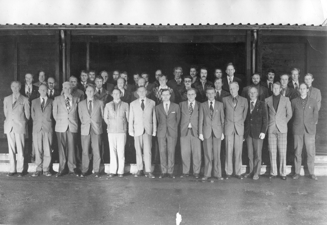 41 sivilkledde menn. Korpssamling Ørland flystasjon 22-24. oktober 1975.