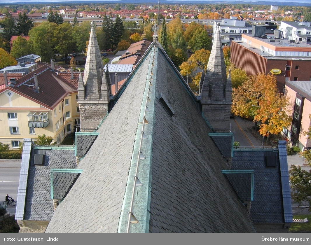 Renoveringsarbeten av tornfasader på Olaus Petri kyrka (Olaus Petri församling).Västra trapphustornen, före åtgärder.Dnr: 2008.230.065