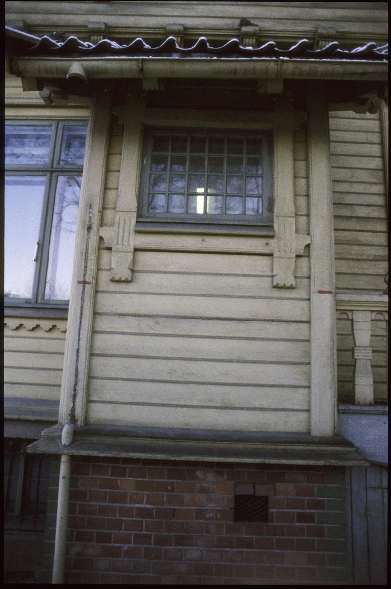 Villa Madeiras, Drammensv. 310 /sveitserstil fra 1859. Revet aug. 1991, detalj