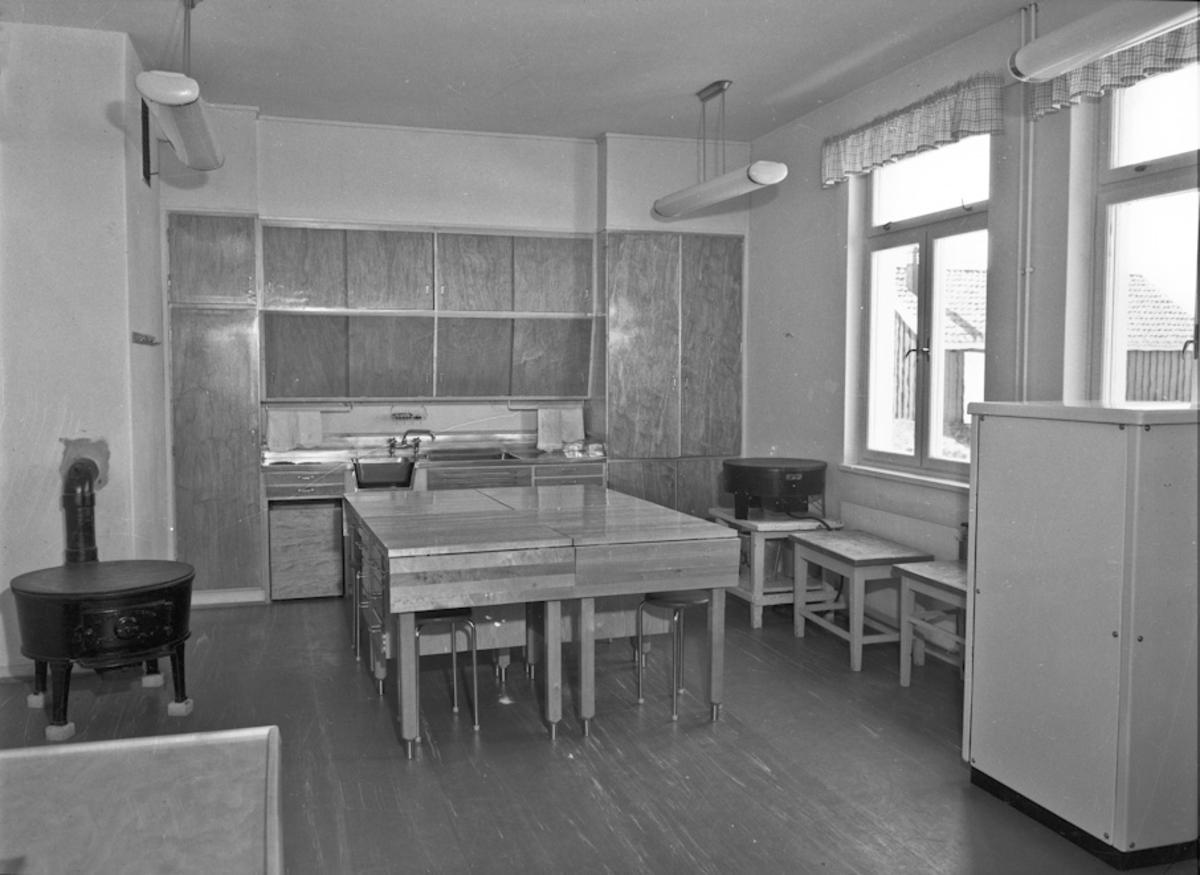 Kjøkken / storkjøkken / skolekjøkken.