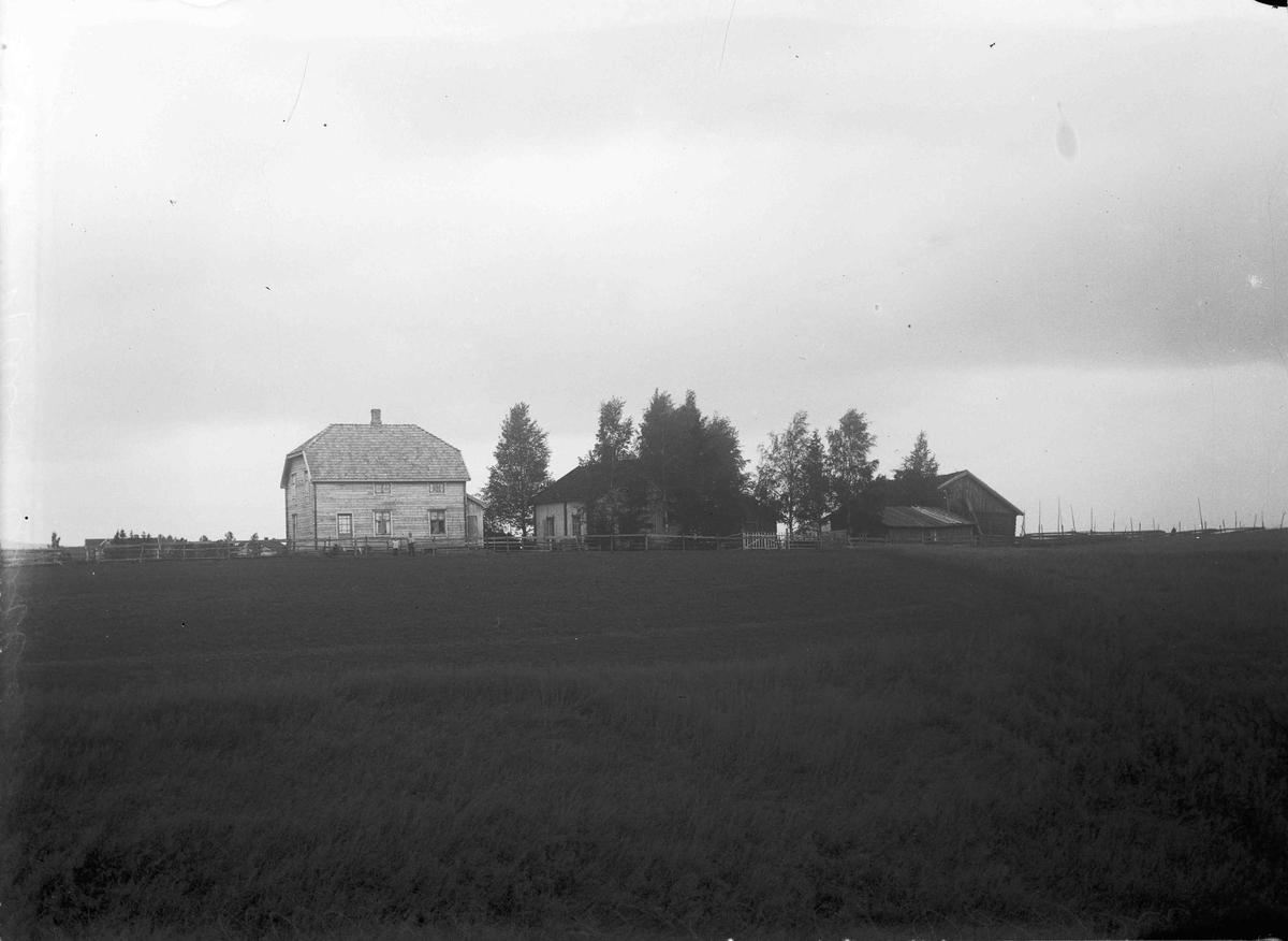 Hans Aalborg, gård