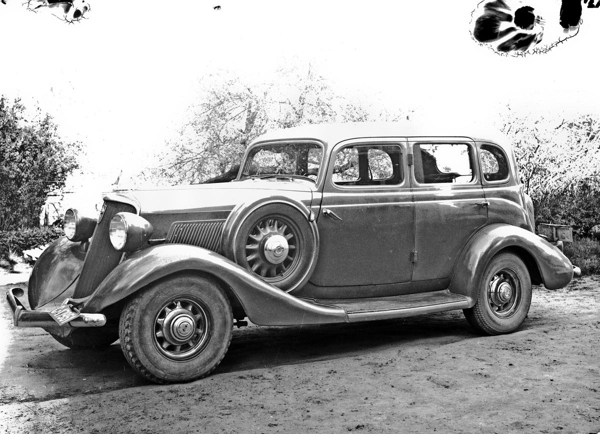 Bil fra 20-30 tallet. Studebaker med kjennetegn C-17951.
