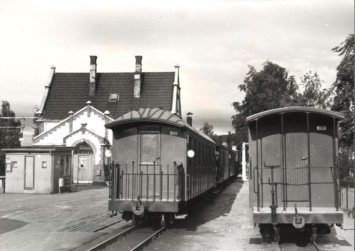 Morgentoget fra Bjørkelangen har ankommet Sørumsand stasjon.