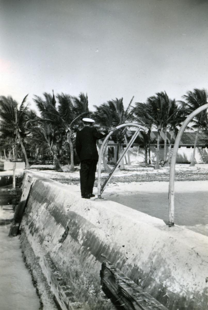 Album Ubåtjager King Haakon VII 1942-1946 Forskjellige bilder. Key West.