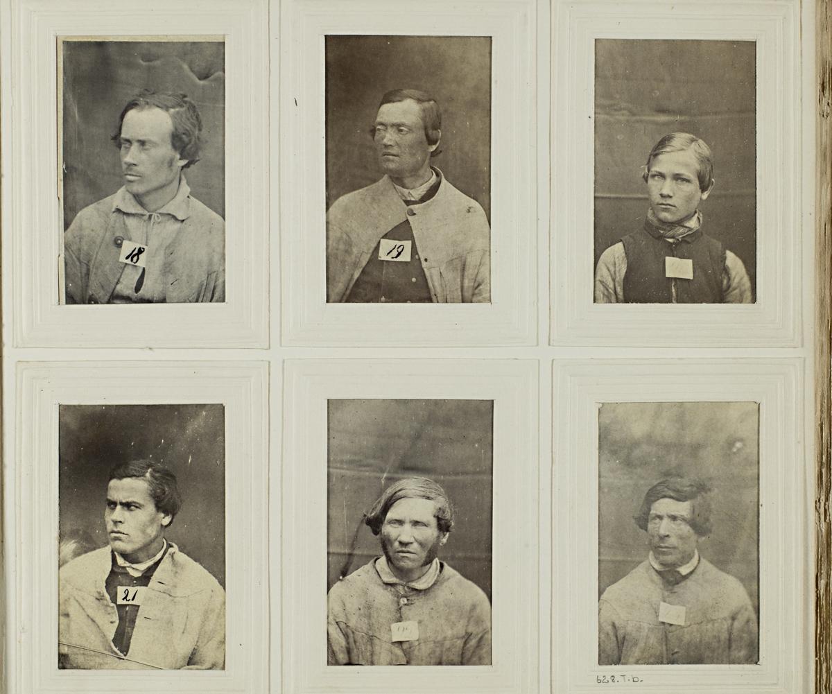 """""""Photografiskt Album för år 1861 öfver fångar förvarade å Warbergs fästning"""".  Samt i samma album : """"Photografiskt Album för år 1861 öfver fångar förvarade å Landskrona fästning""""."""