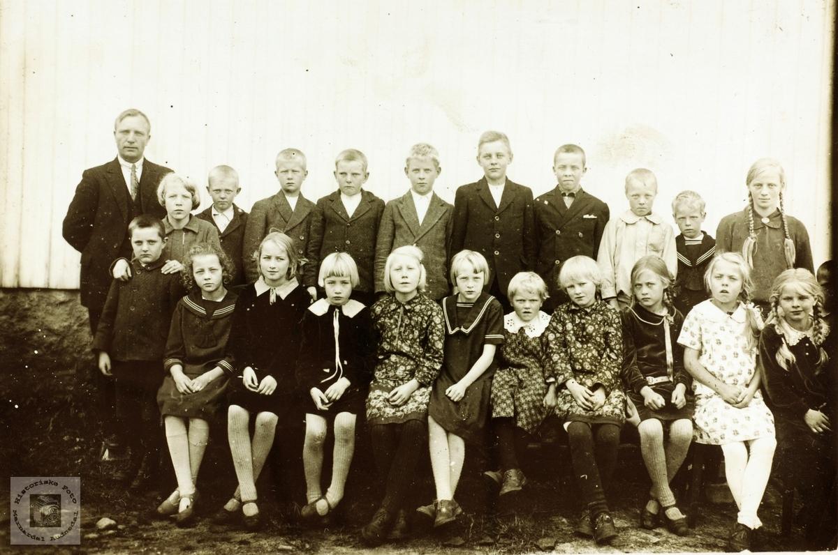 Skoleklasse på Sveindal i Grindheim senere Audnedal.