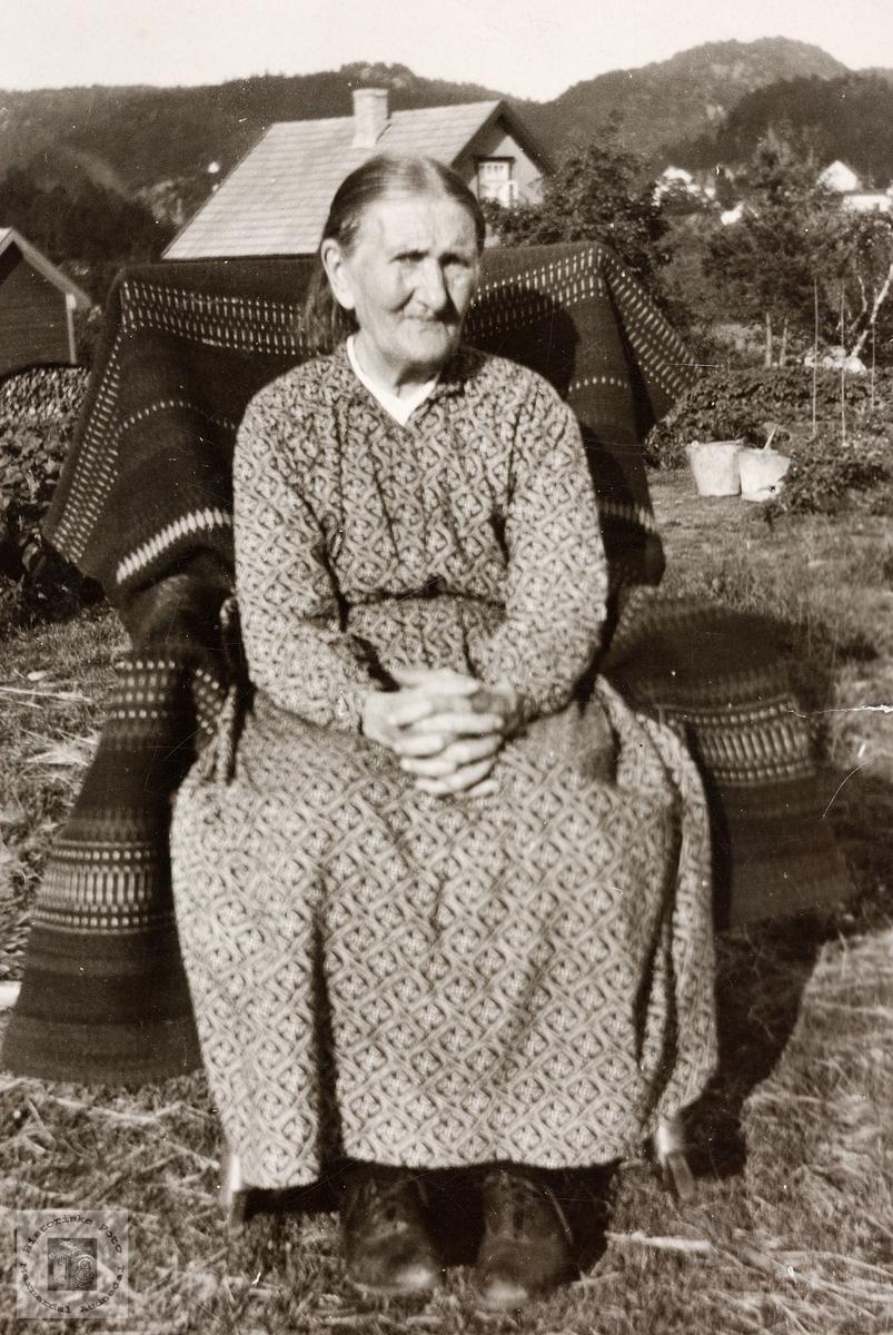 Portrett av Siri Ågedal på sine eldre dager.