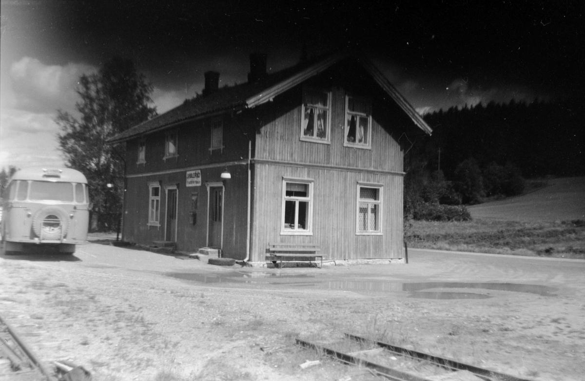 Skulerud stasjon og stoppested for bussen som overtok persontrafikken etter Urskog-Hølandsbanens nedleggelse