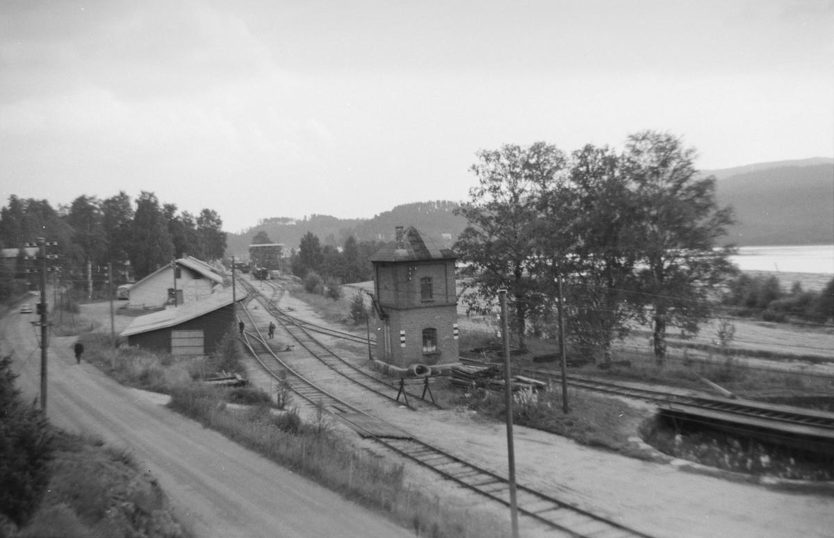 Krøderen stasjon med vanntårn og svingskive