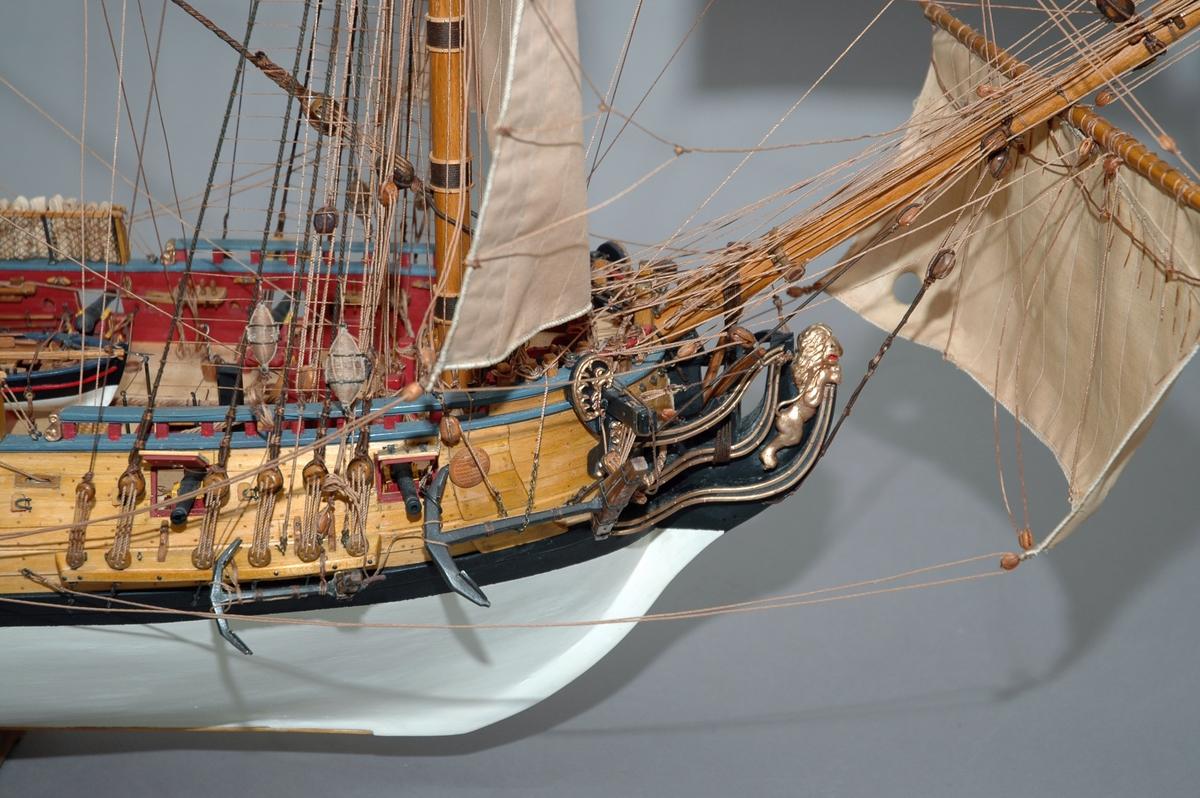 Helmodell av tremastet orlogsskib med 18 kanoner, 1:24