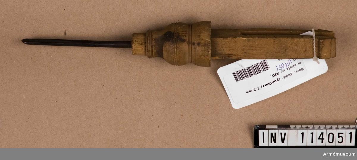 Borrsked (pinnborr) 7,3 mm med skaft nr XIV.