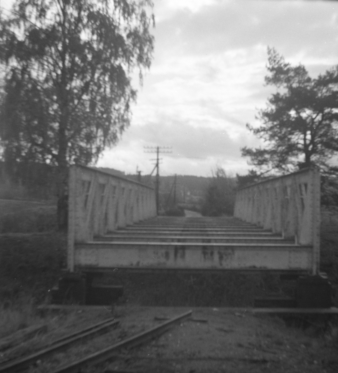 Fossum bro. Broen er hevet for å øke klaringen til riksveien.