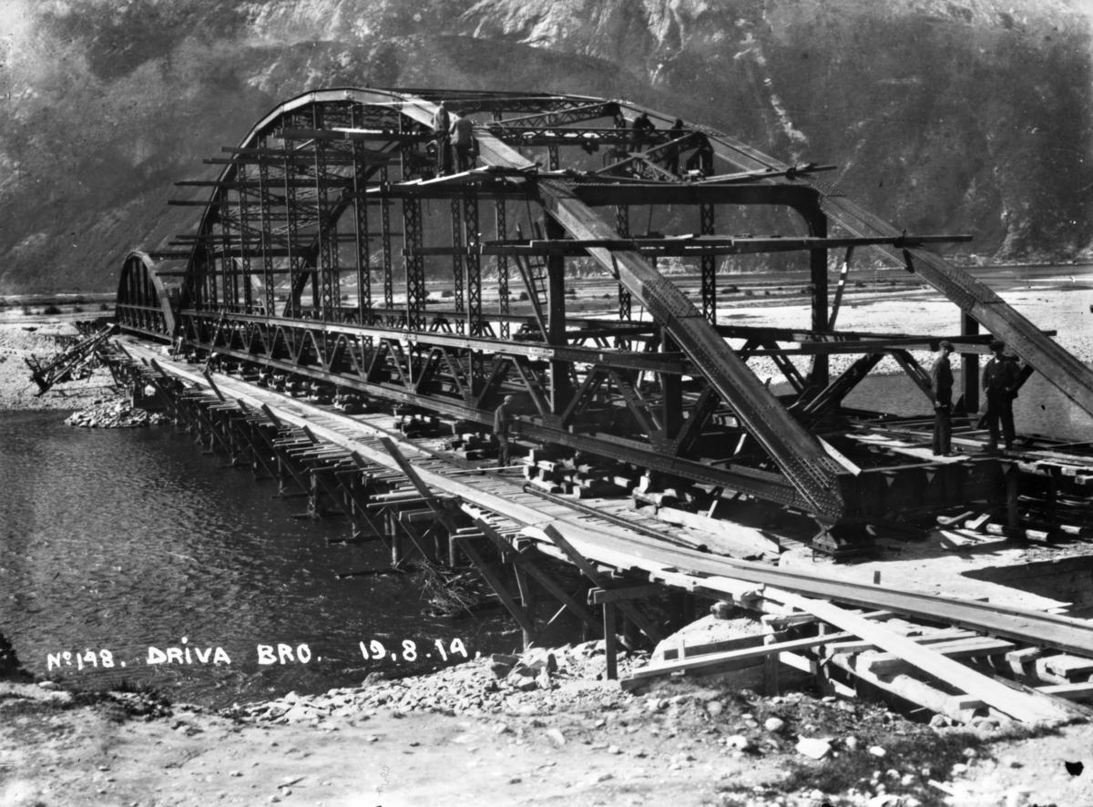No 148 Driva bro 19-8-14. Driva bro på Aurabanen under bygging.