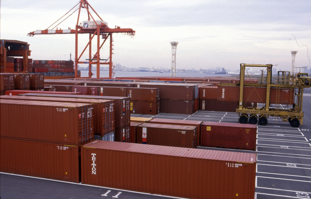 Containerhavn i Tokyo.
