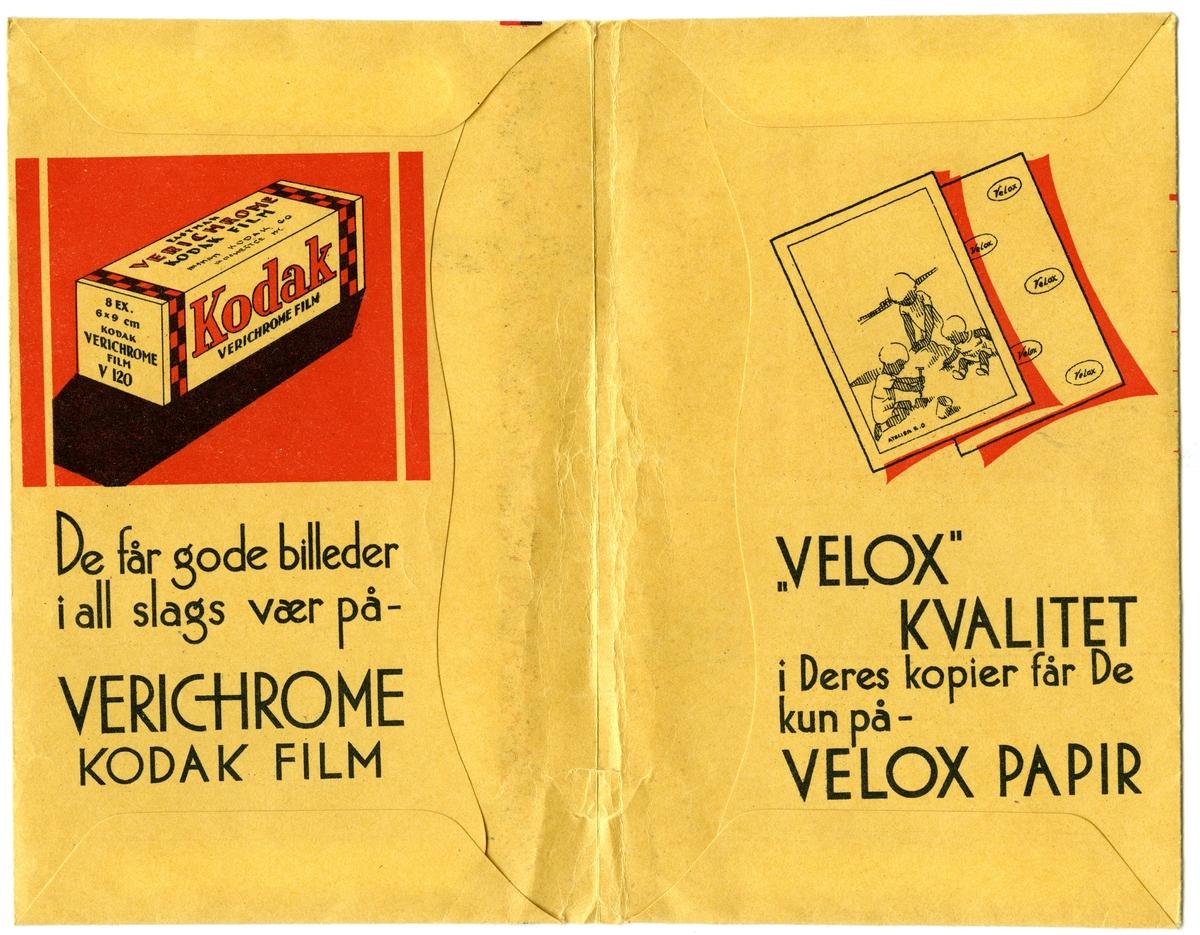 Konvolutt fra fotografen/ firmaet J.L. Nerlien AS, hvor 2 negativer ble oppbevart.  Baksiden: Håndskrevet og trykket tekst.