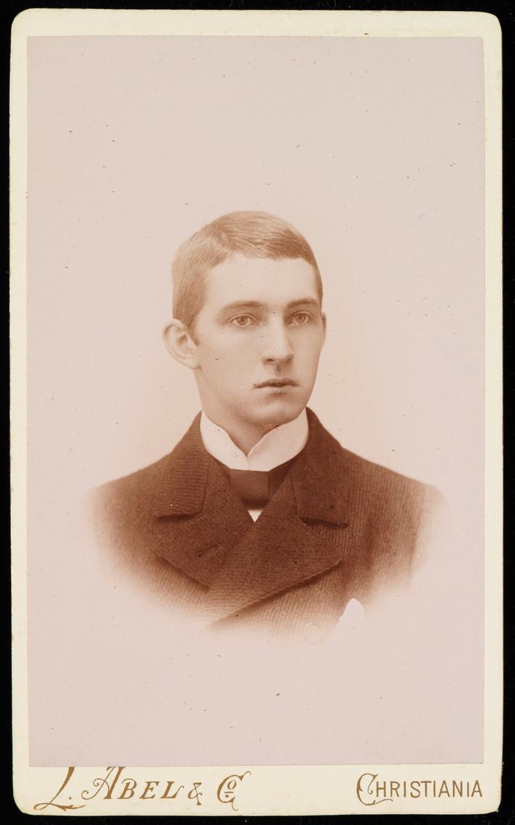 Portrett av Ole Stang.