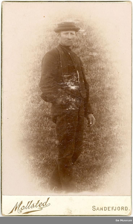 Mann, heilfigur. Olav Hålån