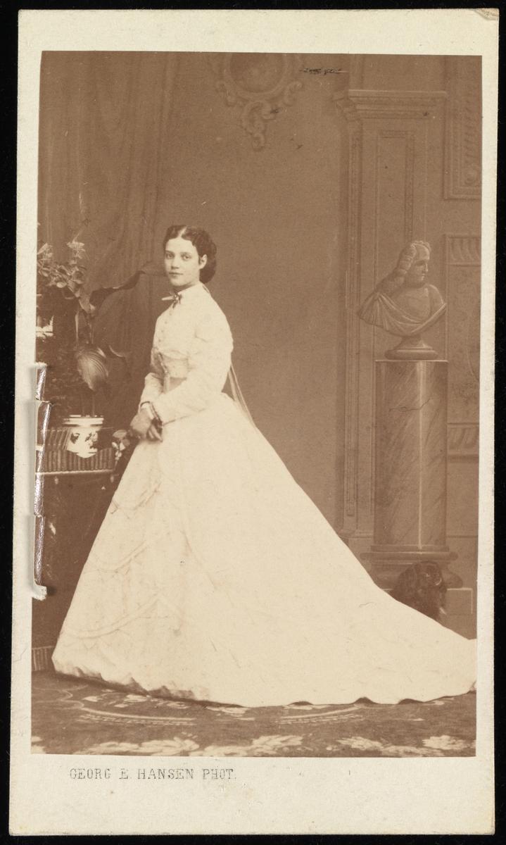 Portrett av prinsesse Dagmar av Danmark senere Maria Feodorovna, keiserinne av Russland som kona til tsar Alexander III av Russland. Mora til Nicolaj II av Russland.