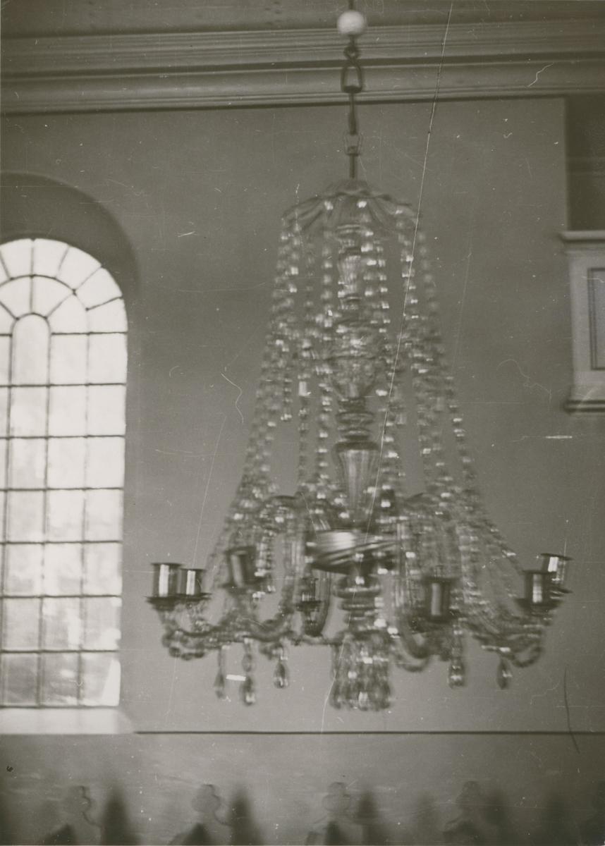Ljuskrona i Blackstads kyrka, byggd i slutet av 1780-talet.