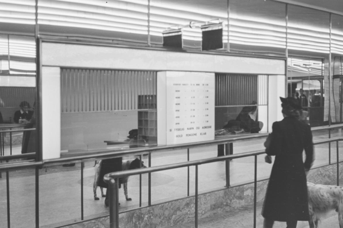 Fra billettskranken ved åpningen av Klingenberg kino 6. oktober 1938. Åpningsfilmen var den norske filmen Ungen.