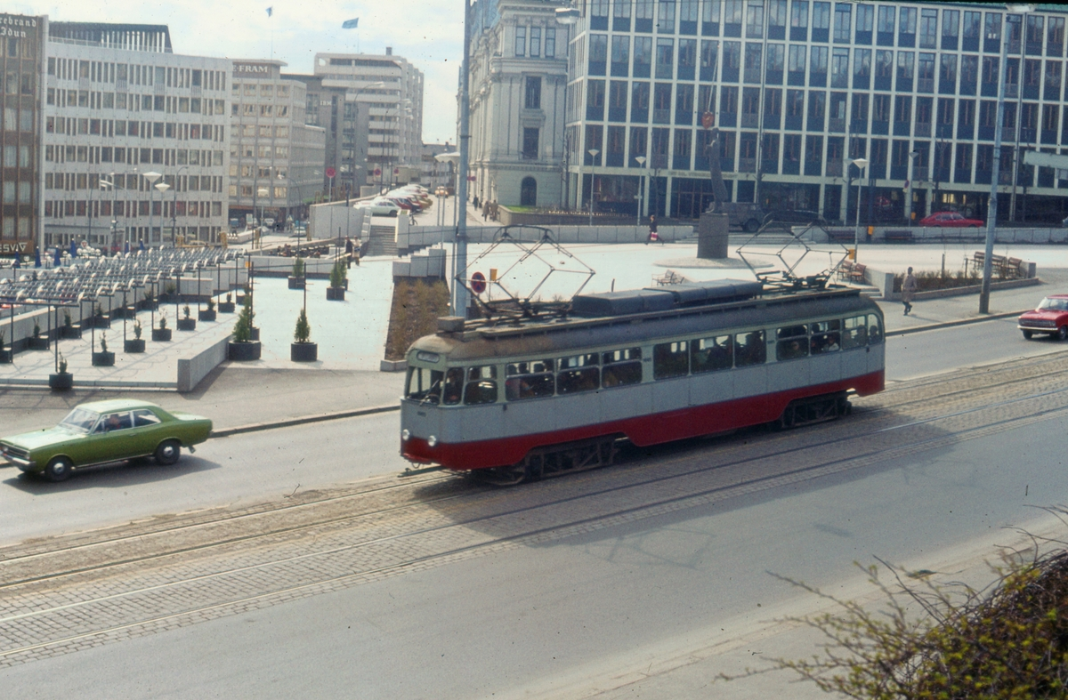 Ekebergbanens sporvogn ved Victoria Terrasse.