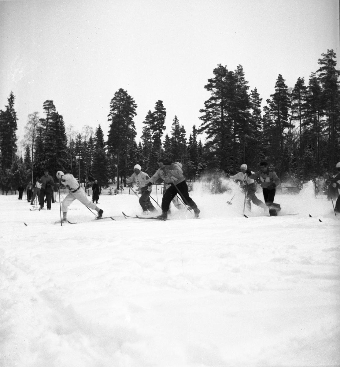 Kooprationsstafetten vid Rödjingen. 1942