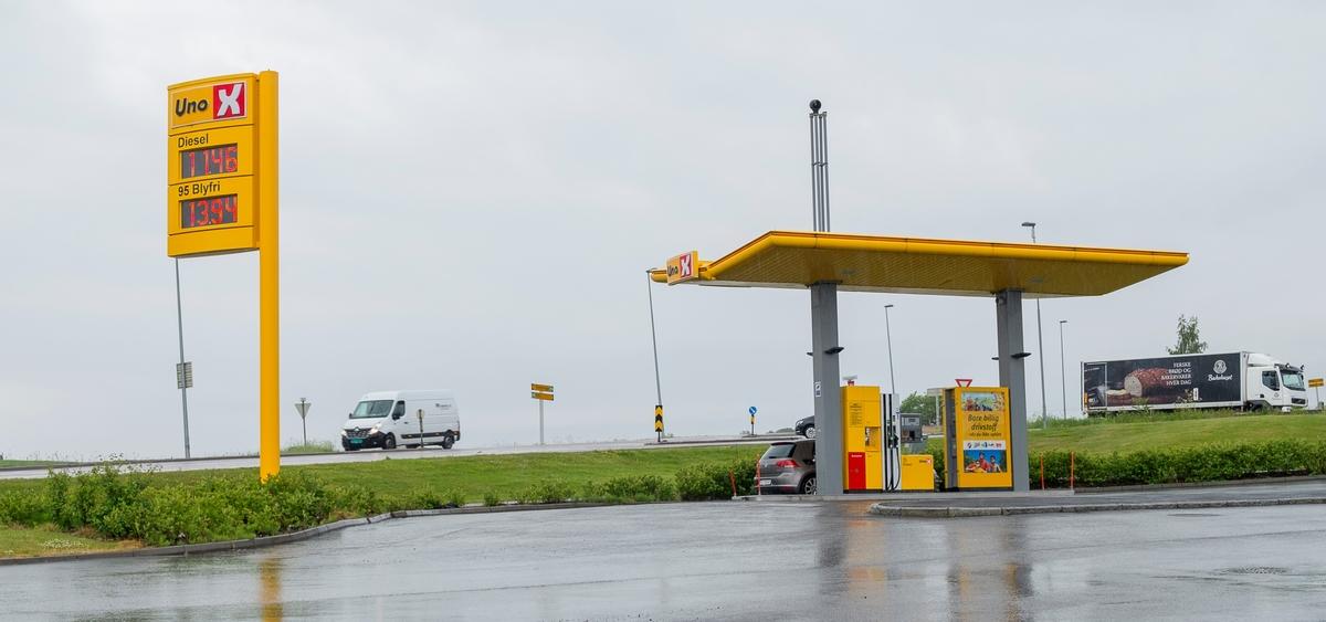 Uno X bensinstasjon Amfi Eurosenteret Vormsund Nes