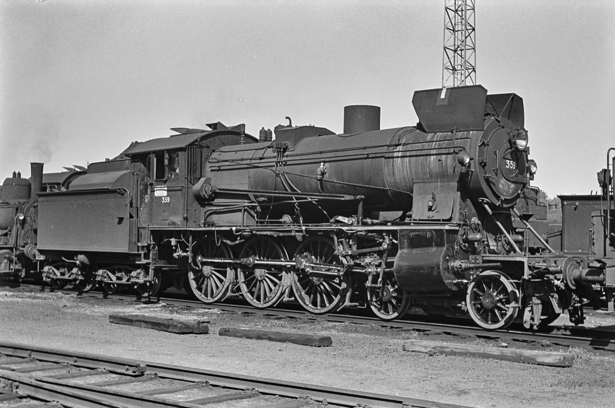 Hensatt damplokomotiv type 30b nr. 359 på Marienborg ved Trondheim.